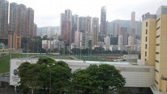 Cosmopolitan Hotel Hong Kong : Course View from the Room