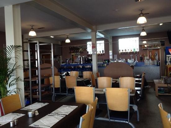 The Dutchman Hotel : dining Area