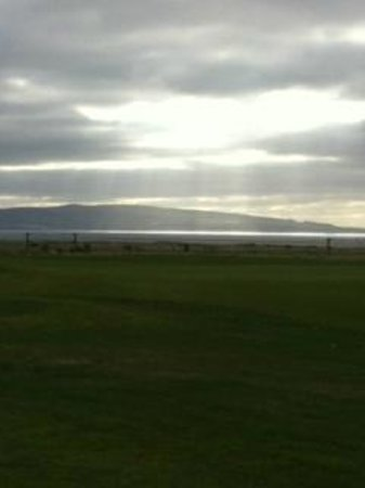 Old Loans Inn: View over the Royal Troon