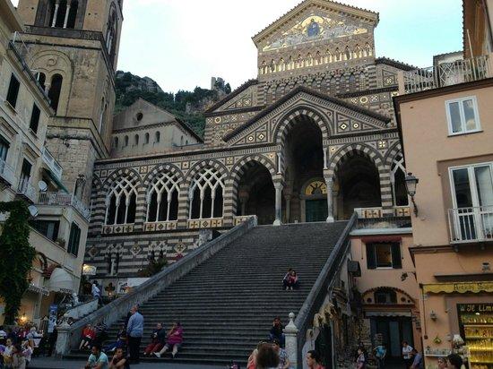 Atrani, Italia: Церковь в Амальфи (в ней есть музей)