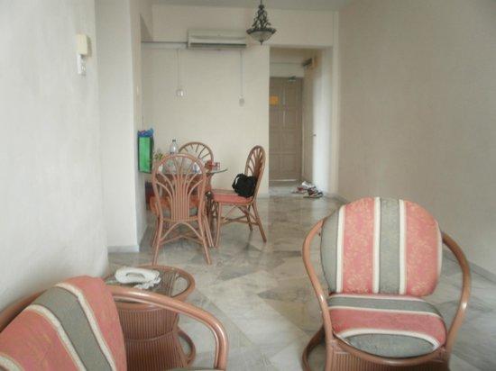 Glory Beach Resort : LIVING ROOM 1
