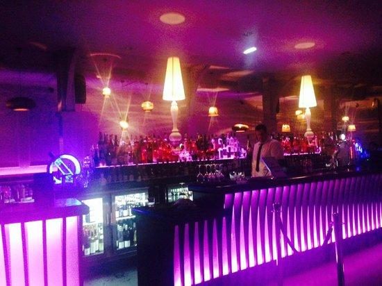 Bonbar: Bar area