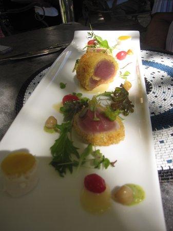 Grande Provence Estate Restaurant: Hubbys main tuna