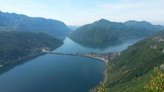 Monte San Salvatore: Vue sur Melide suisse miniature