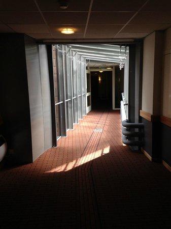 Inntel Hotels Amsterdam Centre: corridoio secondo piano