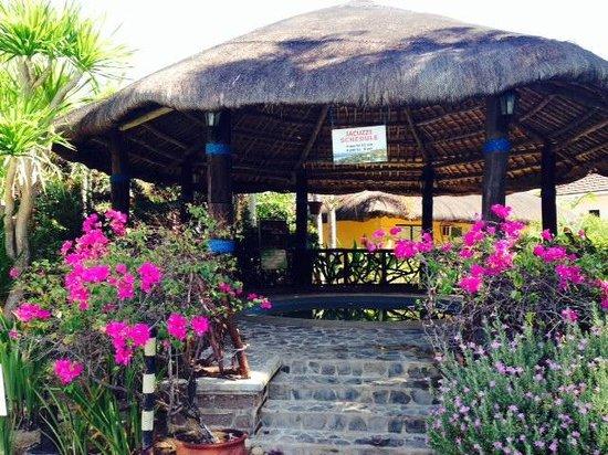 Puerto Del Sol Beach Resort: Outdoor jacuzzi