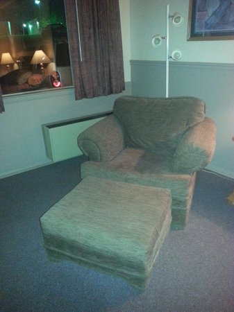 "Ambassador Inn & Luxury Suites: A comfy ""comfy"" chair!"