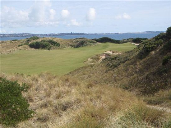 Barnbougle Dunes Cottages : 14th on Lost Farm. One of the best par 4's in Oz