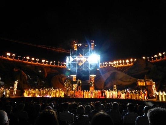 Arena di Verona: Массовые сцены просто впечатляют!