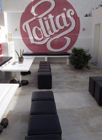Lolita's Gelato: Patio area