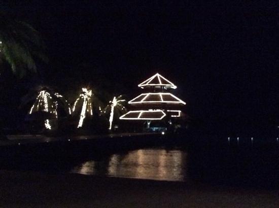 Pearl Farm Beach Resort : parola at night