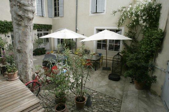 La Maison sur la Sorgue - Esprit de France: Patio 2