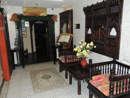 Arabian Courtyard Hotel & Spa: Around the hotel