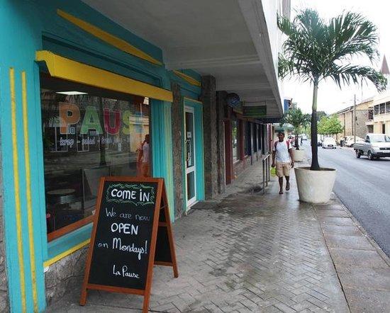 La Pause Café : Street view