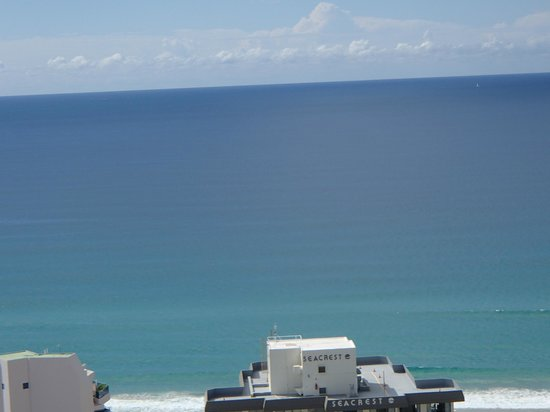 Surfers Paradise Marriott Resort & Spa: View to beach