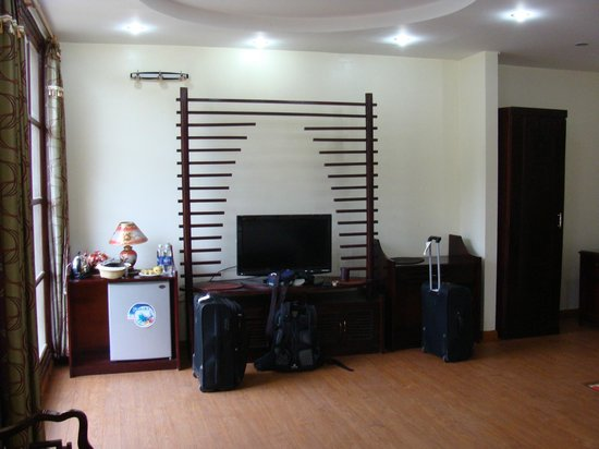 Sao Mai Hotel: très grande chambre