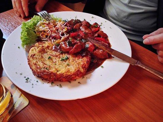 Kartoffelkeller: Okseragout, rigtig, rigtig god