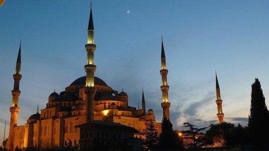 Rami Restaurant: Blick auf die Blaue Moschee 3