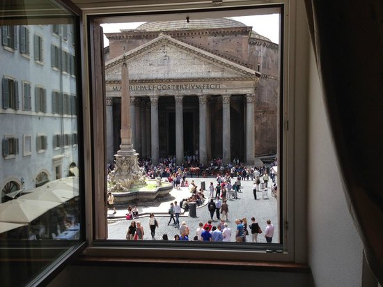 Albergo del Sole Al Pantheon : A view with a room...