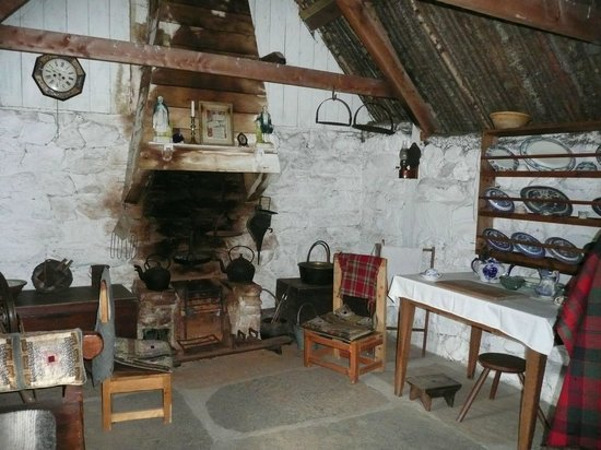 Highland Folk Museum: workers cottage