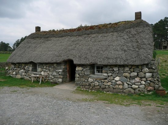 Newtonmore, UK: blackhouse