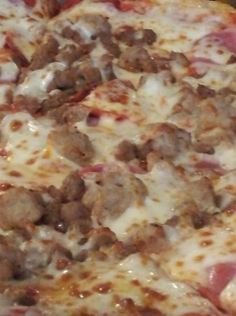 Somerset, TX: All the Meats Pizza