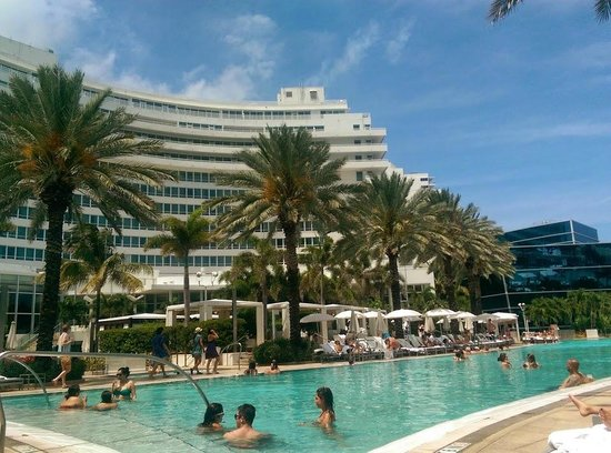 Fontainebleau Miami Beach: The Chateau Building