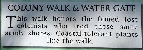 Elizabethan Gardens: sign for water gate