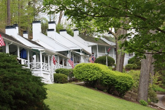The Greenbrier: The Art Colony Shops