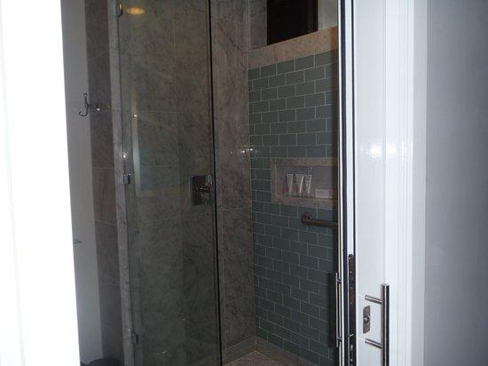 Sandals Negril Beach Resort & Spa: Updated shower