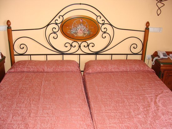 Hotel Seramar Comodoro Playa: comfy bed
