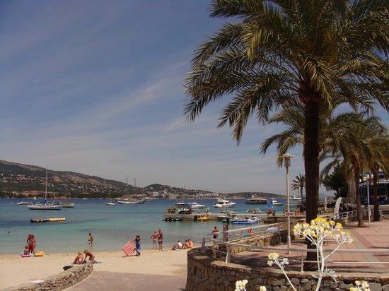 Hotel Seramar Comodoro Playa: view from restaurant terrace