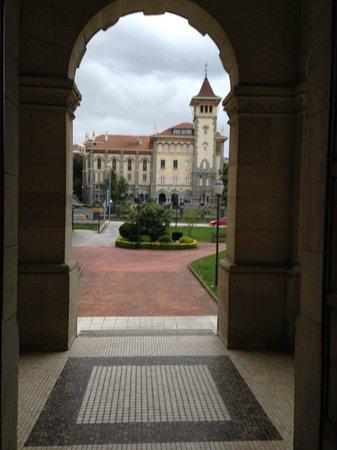 URH Palacio de Oriol Hotel: Overview seen from the front door
