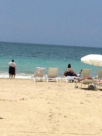 Embassy Suites by Hilton San Juan Hotel & Casino: Beach