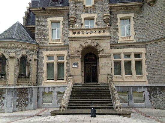 URH Palacio de Oriol Hotel: Entrance of the hotel