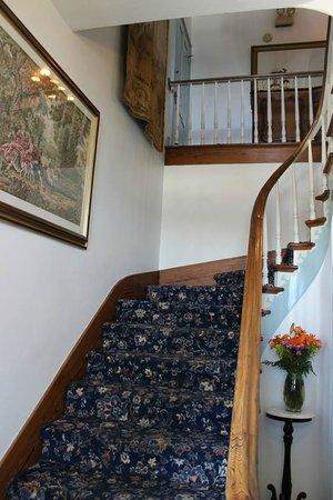 Bayfront Westcott House Bed & Breakfast : Stairway to the 2nd floor