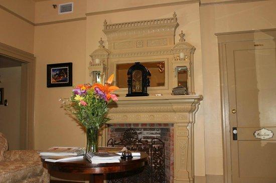 Bayfront Westcott House Bed & Breakfast : Sitting room.