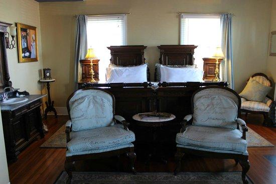 Bayfront Westcott House Bed & Breakfast: Menendez Room