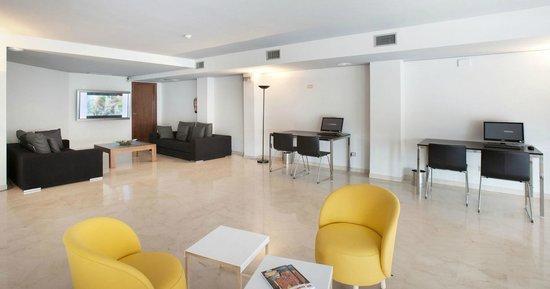 Onix Fira Hotel: Centro de negocios