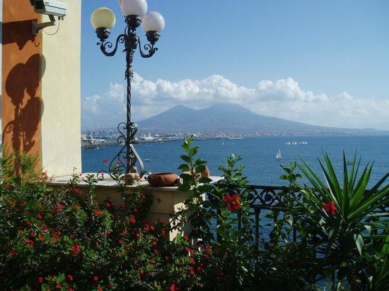 Hotel Miramare : ナポリの魅力が満喫出来る屋上テラス