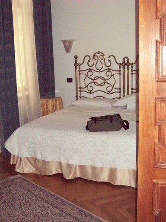 Charles Bridge Palace : Comfy Bed