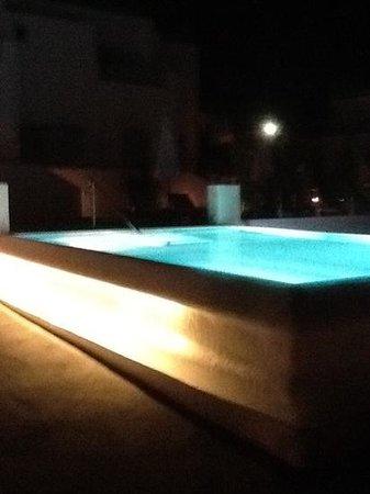Santorini Kastelli Resort: garden pool