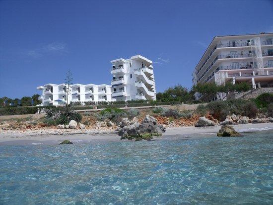 Vistamar Apartments : Vistamar from sea