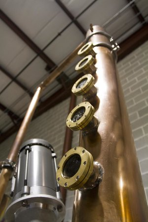 Blackwater Distilling: The column on the 100-gallon still