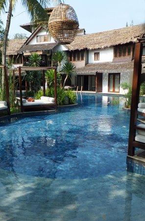 Villa Samadhi: Hotel poolside