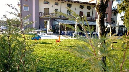 Parco giochi picture of giardino dei sapori bussolengo tripadvisor - Giardino dei sapori calvenzano ...