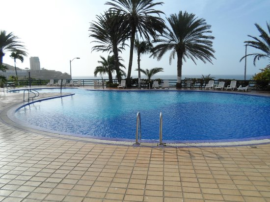 Flamingo Beach Hotel : piscina