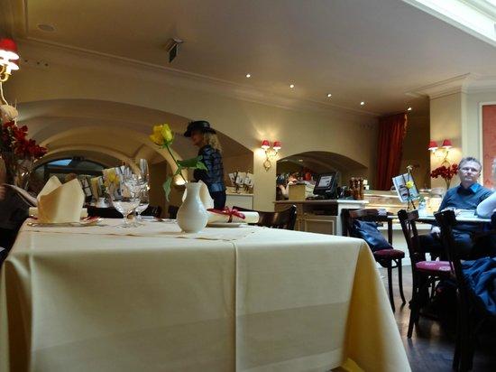 Cafe Sacher: Café Sacher Graz - ambiente