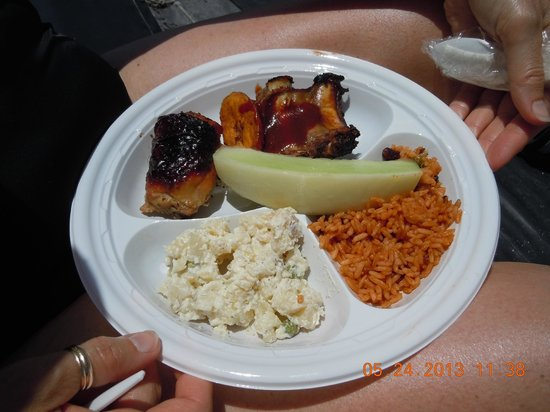 Jolly Pirates Cruises : Tasty lunch!