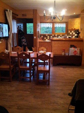 Résidence Le Couarôge : vu d'ensemble salle à manger,cuisine